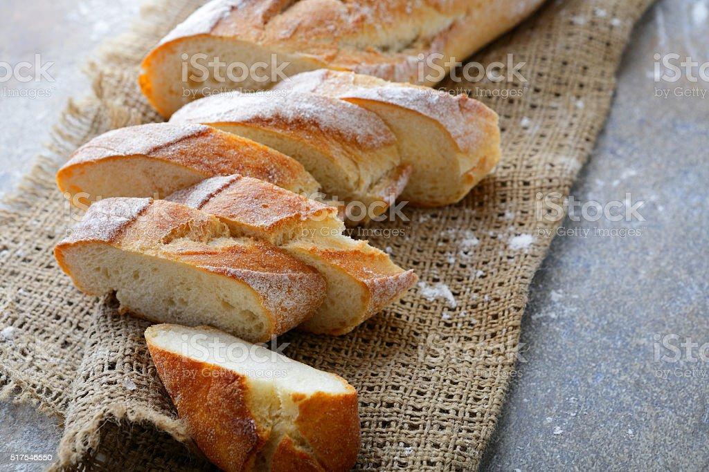 Tranches croquants Baguette sur la sac - Photo