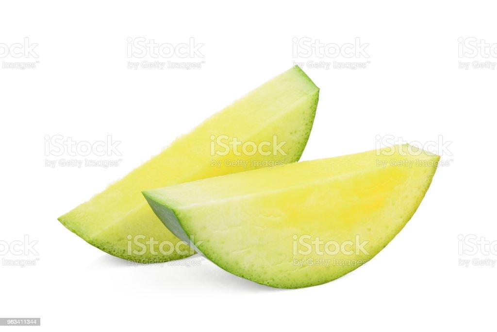 sliced green mango isolated on white background - Zbiór zdjęć royalty-free (Bez ludzi)