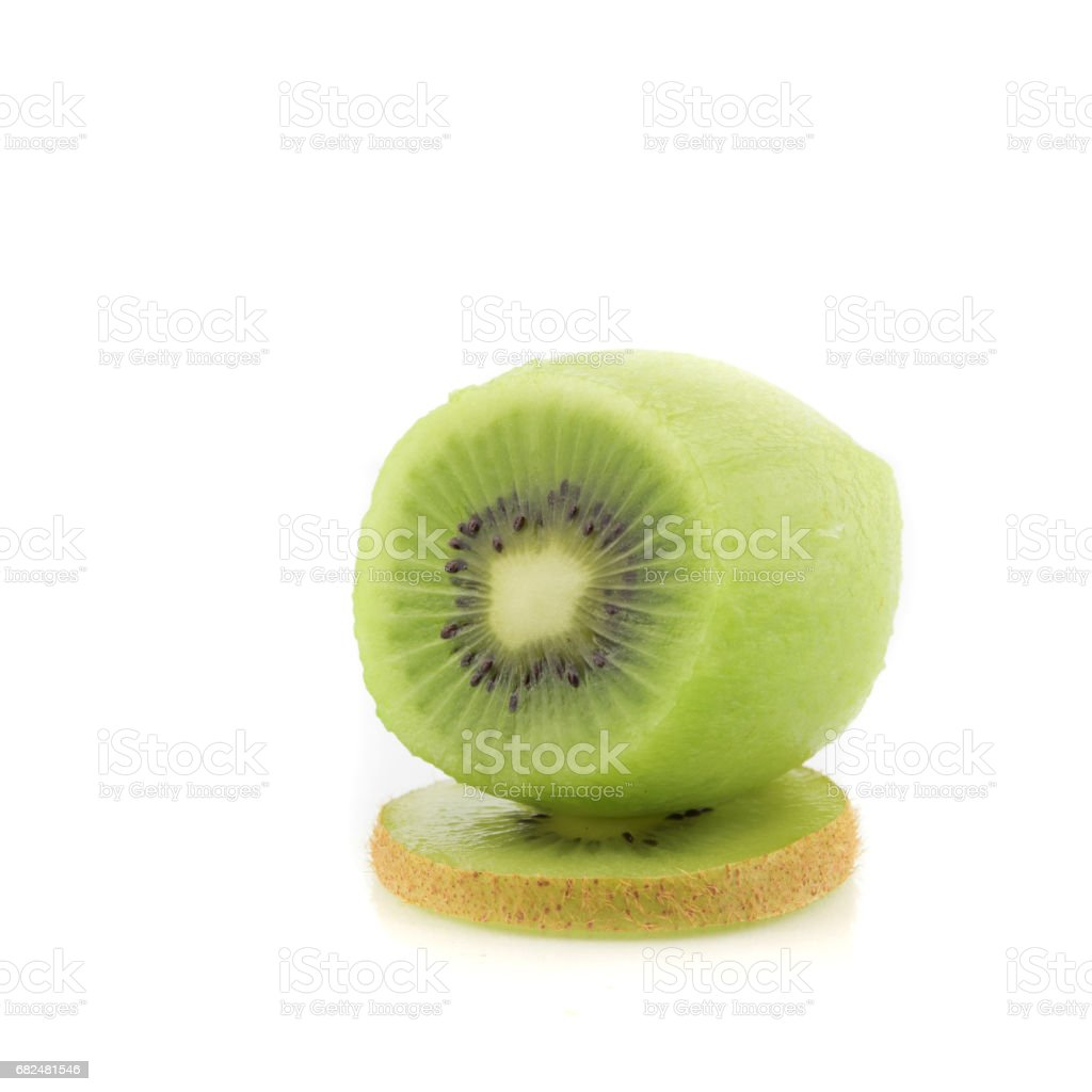 sliced Kiwi fruit isolated on white background cutout foto de stock libre de derechos
