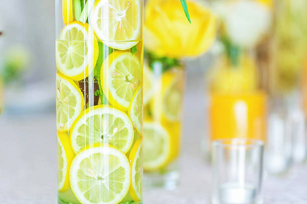 Scheiben Zitrone mit fase mit Blume – Foto