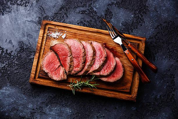 sliced tenderloin steak roastbeef - beef angus imagens e fotografias de stock