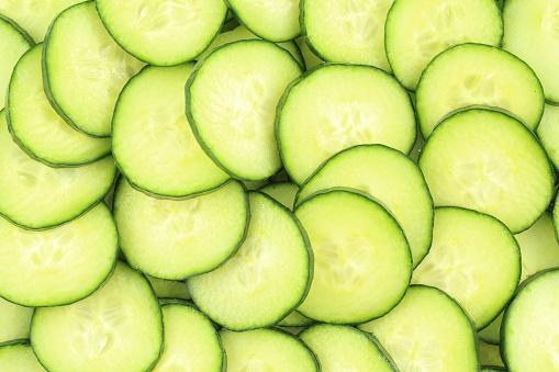 신선한 녹색 오이 음식 배경 텍스처의 조각 건강한 생활방식에 대한 스톡 사진 및 기타 이미지