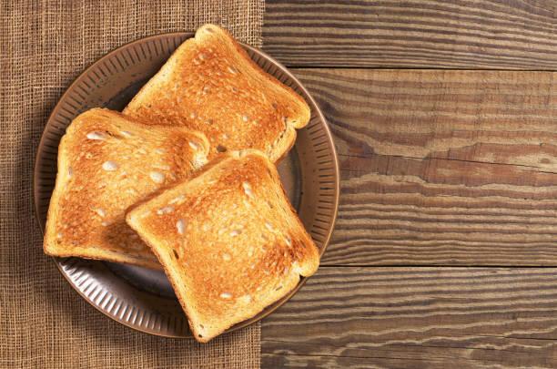 scheiben von toastscheiben - brot ohne weizen stock-fotos und bilder