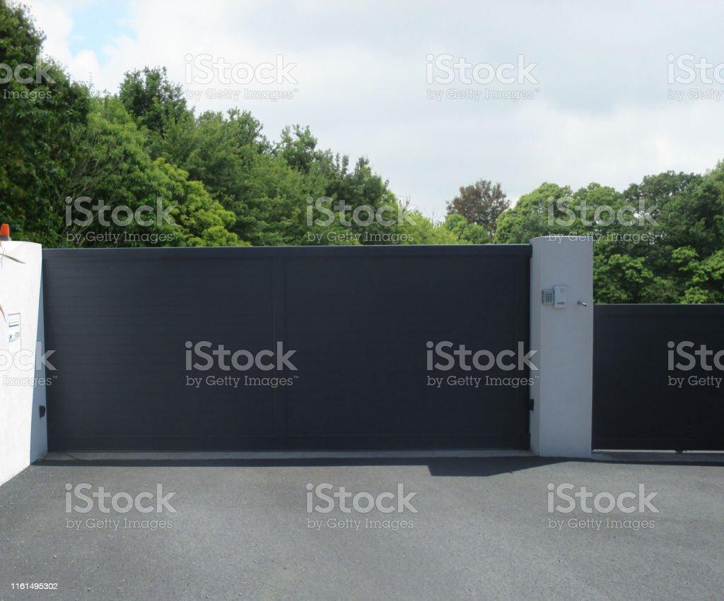 PVC sliding entry door - Foto stock royalty-free di Architettura