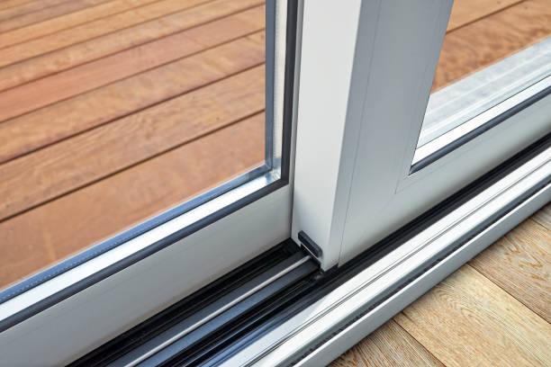 Schiebetür Glas Tür Detail und Schiene zu verankern im Boden – Foto