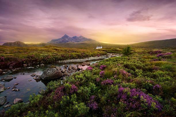 sligachan river, schottland - schottische kultur stock-fotos und bilder