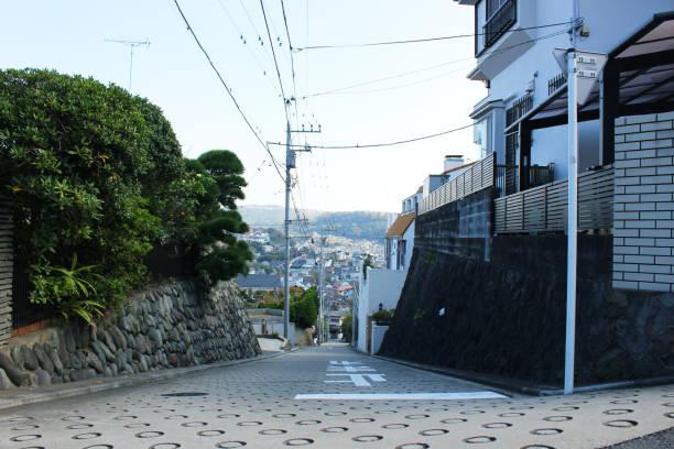 斜面 - 日本 街並み ストックフォトと画像