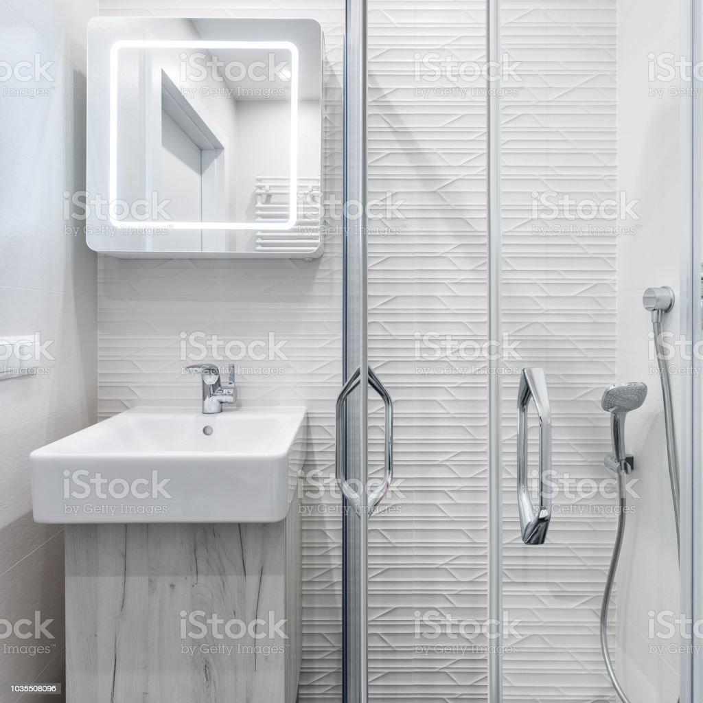Kleines Bad Mit Dusche Stockfoto und mehr Bilder von ...