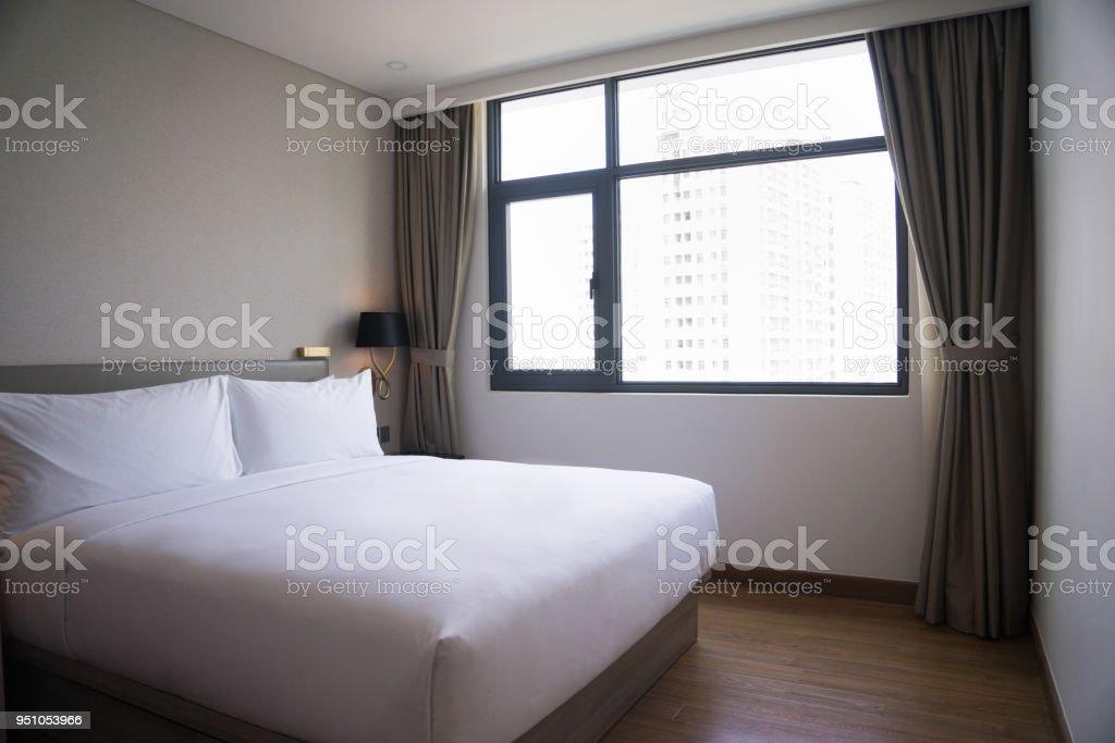 Kleines Schlafzimmer Design Mit Doppelbett Stockfoto Und Mehr Bilder Von Behaglich Istock