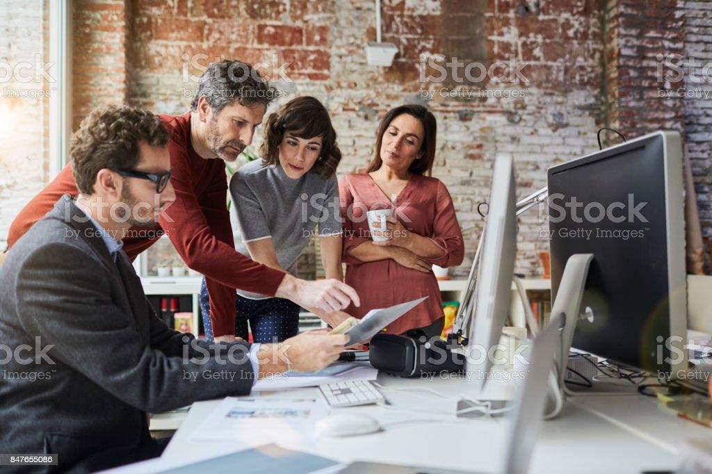 Kleine Unternehmen, arbeiten im Büro. Barcelona – Foto