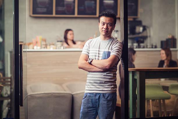 Kleines Café-Besitzer – Foto