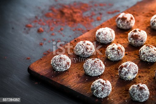 istock Small chocolate cakes on a cutting board 537284052