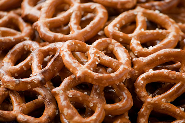 small crispy pretzel twists - 椒鹽蝴蝶圈 個照片及圖片檔