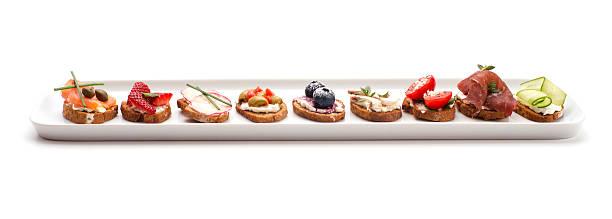Les crostini plat isolé sur blanc - Photo