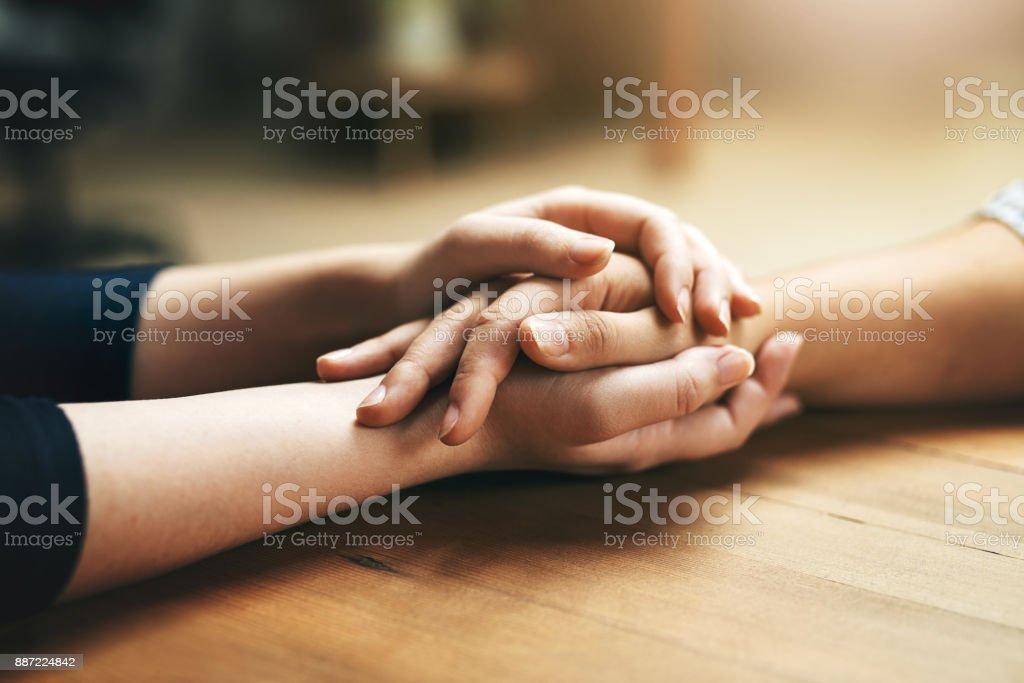 Kleine Gesten der Freundlichkeit gehen einen langen Weg - Lizenzfrei Eine helfende Hand Stock-Foto