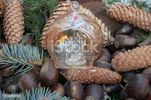 Santon de provence décor de crèche de noël traditionnel dans le sud de la France - Festival des crèches de noël de Lucéram