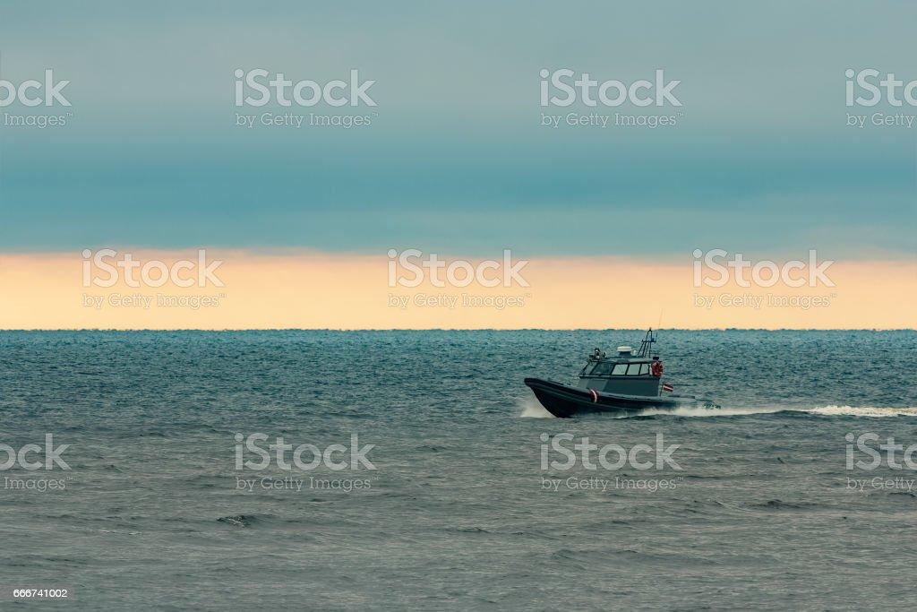 Small grey border guard boat foto stock royalty-free