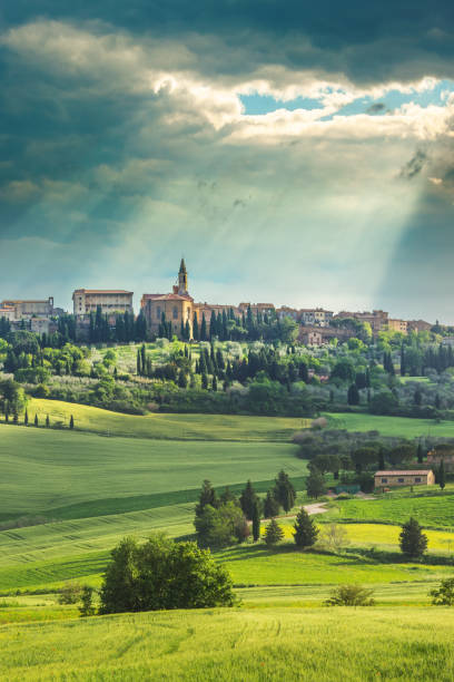 Small italian town of Pienza in the Tuscan Landscape Scenic view in Italy pienza stock pictures, royalty-free photos & images