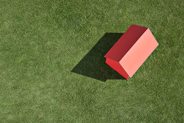 Kleine Modell Haus im Gras – Foto