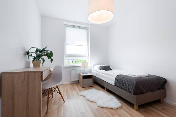 petite design intérieur moderne chambre à coucher - cosmetique store photos et images de collection