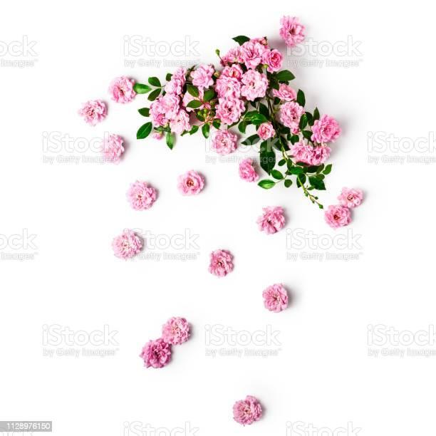 Small pink roses arrangement picture id1128976150?b=1&k=6&m=1128976150&s=612x612&h=fusd6ya h9thifbb 2u8iifjrsf81zjtwyljhzoooom=