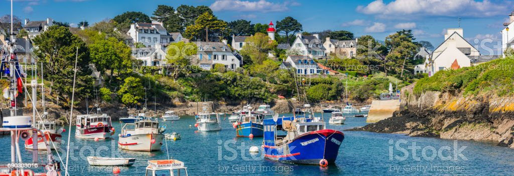 Small port Doelan near Clohars-Carnoet in brittany - Photo