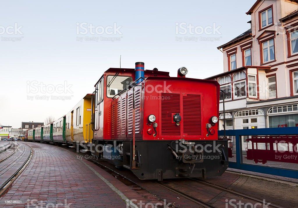Kleine Bahn im Borkum central station – Foto