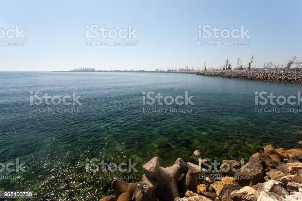 Foto de Pequeno Porto Em Constanza Roménia e mais fotos de stock de Azul