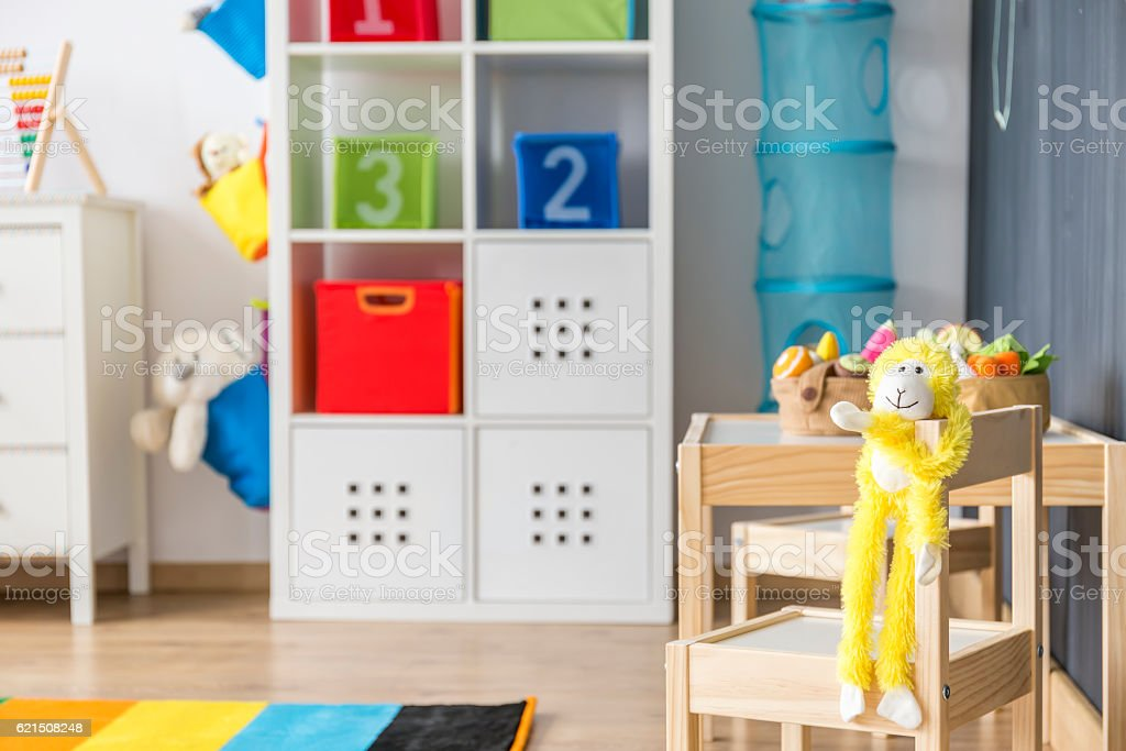 Small table and chairs in the child room photo libre de droits
