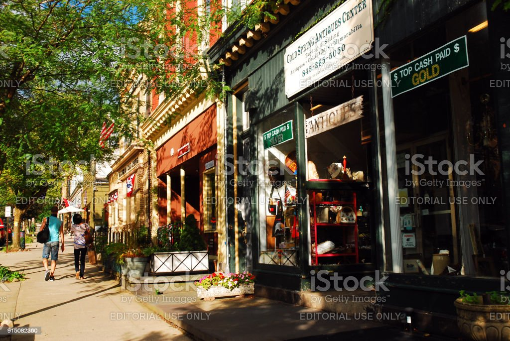 Kleine Town Shopping – Foto