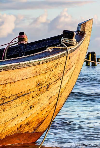 Kleine hölzerne Fischerboot – Foto