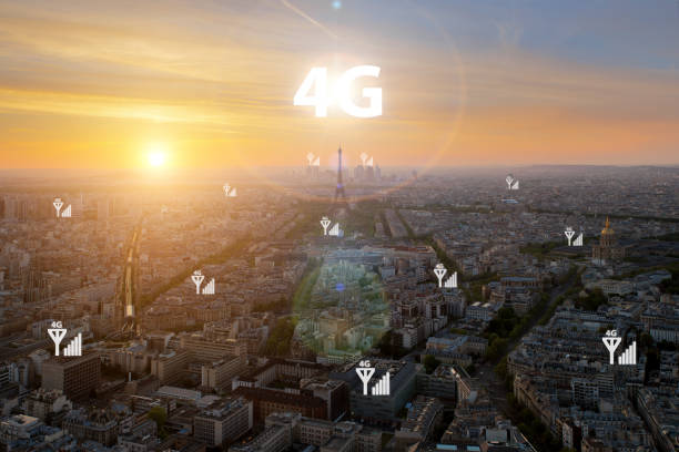 smart city and 4g signal communication network, business district with office building, abstract image visual, internet of things concept - 4g foto e immagini stock