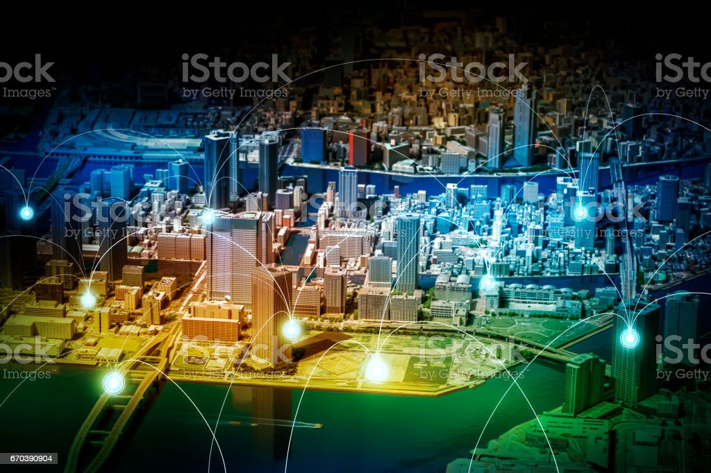 smart city diorama and wireless sensor network, sensor node and connecting line, information communication technology, internet of things, abstract image visual - Foto stock royalty-free di 5G