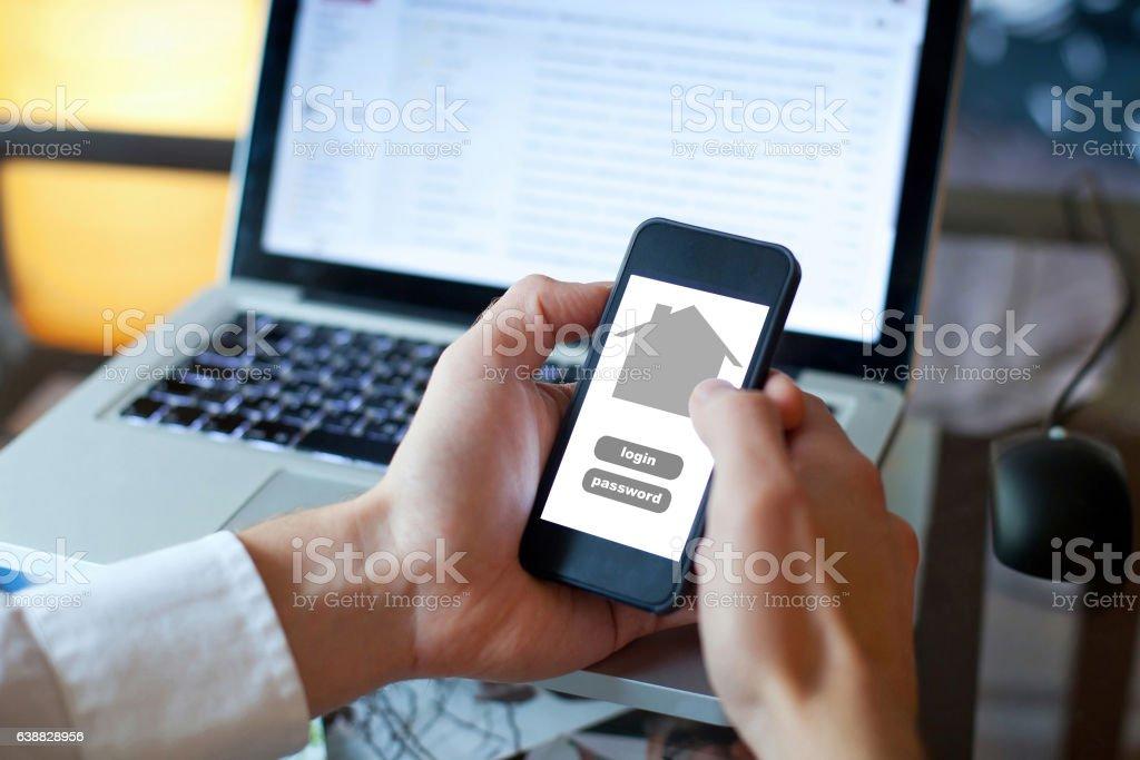 smart home application on smartphone - foto de acervo
