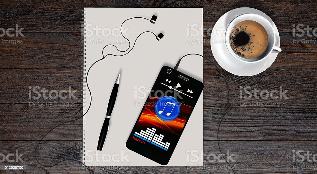 smartphone and earphones with coffee and white paper on table – Foto