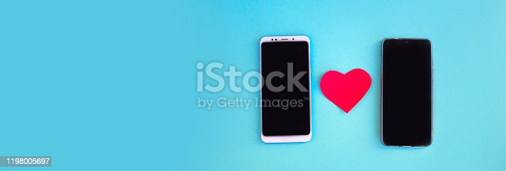 898149690 istock photo Smartphone and heart 1198005697