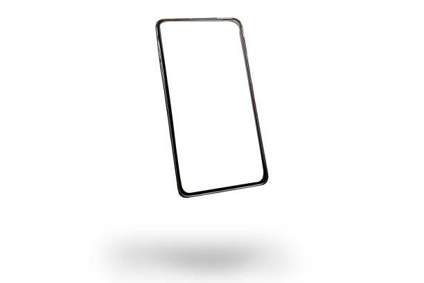 Smartphone fliegt isoliert auf weißem Hintergrund, Mockup. Telefon, moderne Technologien soziale Netzwerke und Anwendungen. Kopierraum – Foto
