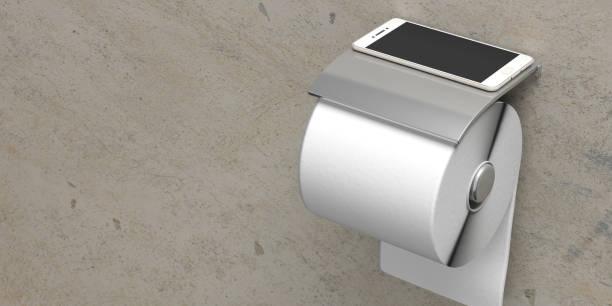 smartphone op stalen wc-rol houder marmeren muur, kopieer ruimte. 3d illustratie - cell phone toilet stockfoto's en -beelden