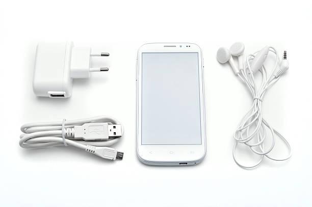 smartphone set with accessories - kişisel aksesuar stok fotoğraflar ve resimler