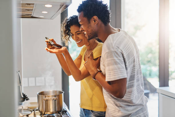 odora delizioso - cucinare foto e immagini stock