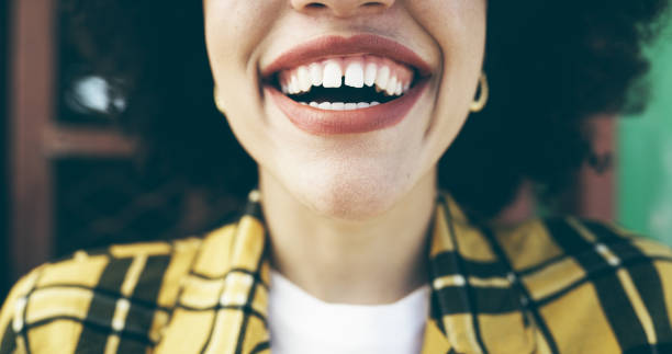 a smile is a language we all understand - mouth imagens e fotografias de stock