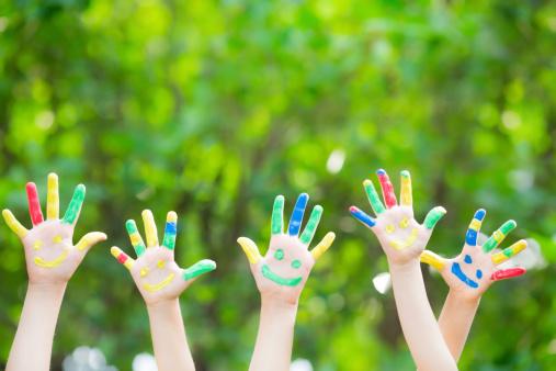 istock Smiley hands 480062151