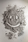 istock Smiley made of scattered ash 490201935