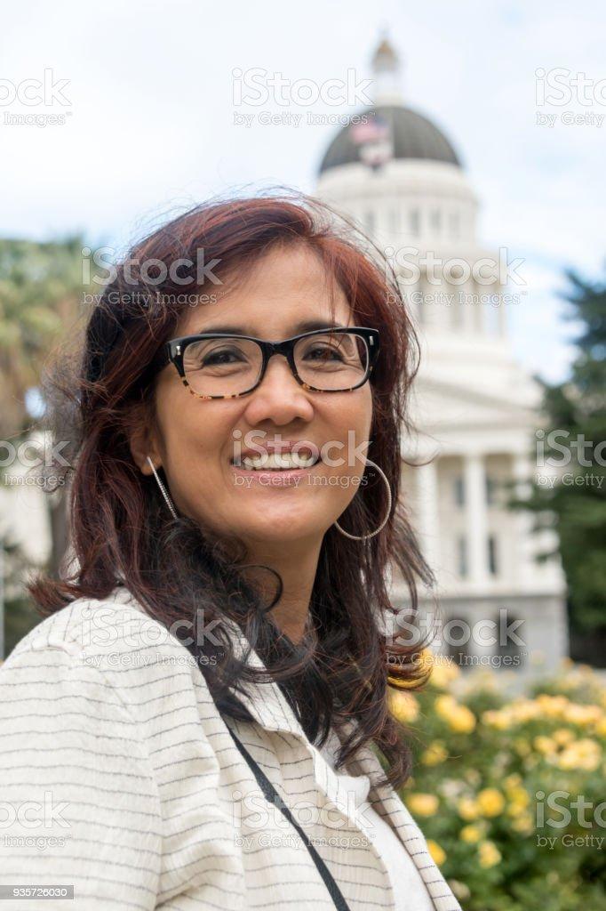 Sourire asiatique Mature femme politique - Photo