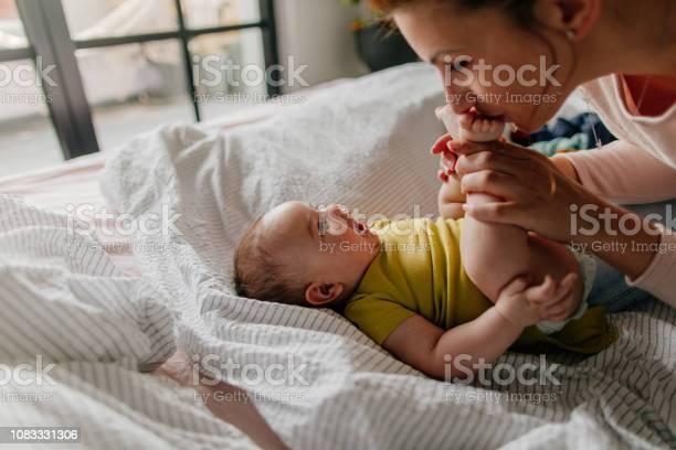 Smiling baby and his mom picture id1083331306?b=1&k=6&m=1083331306&s=612x612&h=gguv9afhr5uajotrefhvybhvzebipfjfsqbht63u6yo=