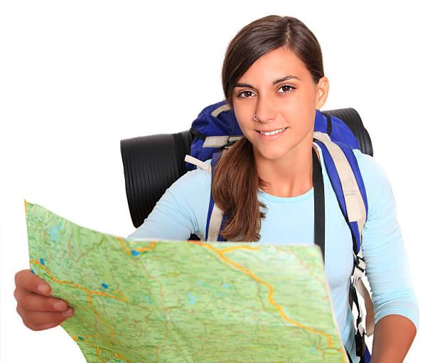 Lächeln Rucksacktourist mit Karte – Foto