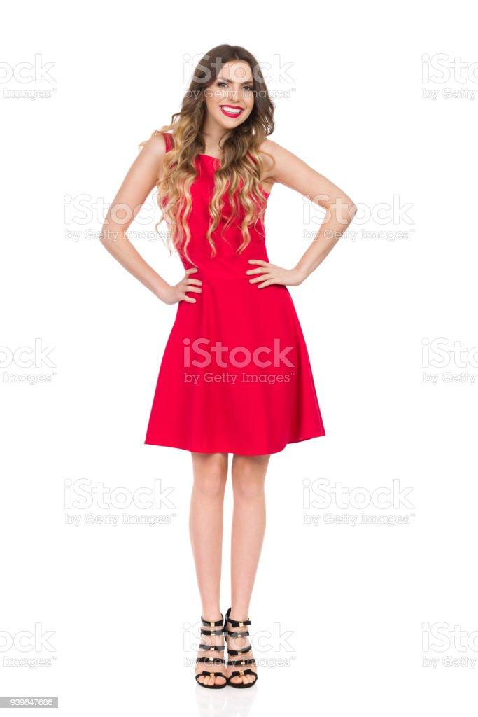 71e13c1d97f Photo libre de droit de Souriant De Belle Jeune Femme En Robe Mini ...