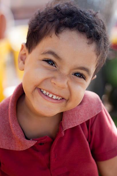 Lächelnde Jungen – Foto