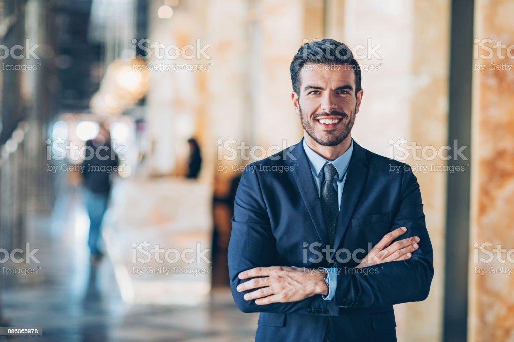 Homme d'affaires souriant - Photo