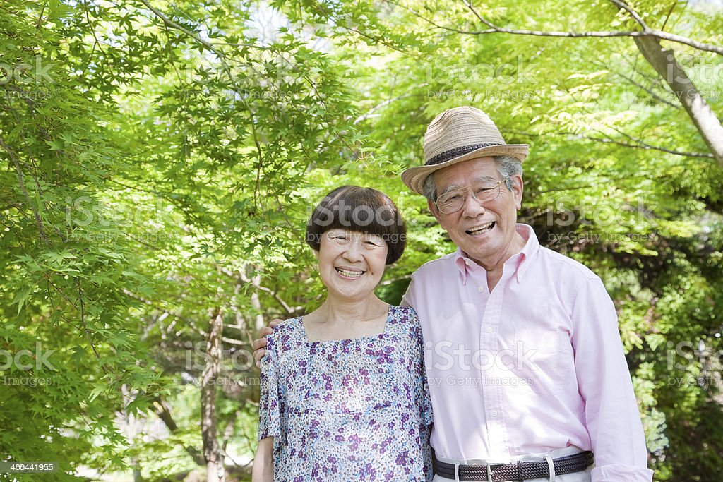 Alte Ehepaar, die ein Lächeln – Foto